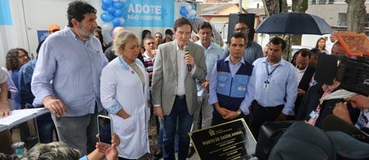Crivella inaugura primeiro posto de saúde animal do Rio