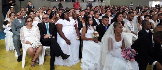 Prefeitura promove casamento coletivo em Jacarepaguá