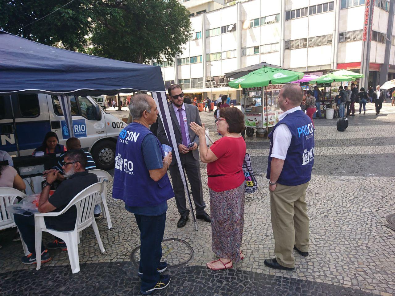 Procons Carioca, Estadual e OAB fazem ação conjunta