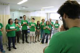 Hospital Souza Aguiar recebe grupo Cantareiros