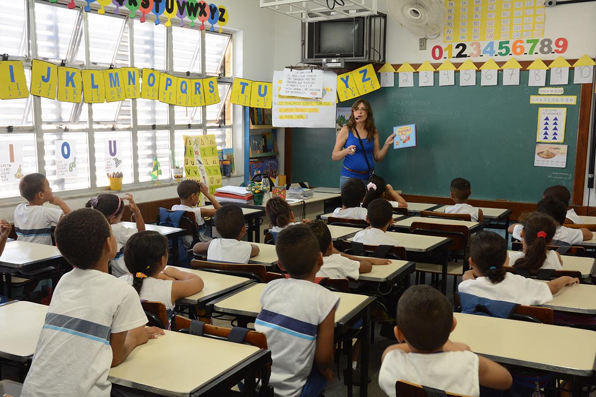 Prefeitura abre Semana da Alfabetização com debates sobre práticas pedagógicas
