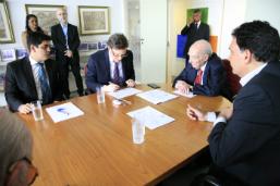 Rio firma convênio com universidade Cândido Mendes para estágio de engenharia em unidades da SMS
