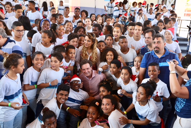 Prefeito celebra os 20 anos da Orquestra de Vozes Meninos do Rio
