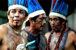 Cidade das Artes recebe ritual indígena com roda de maracá
