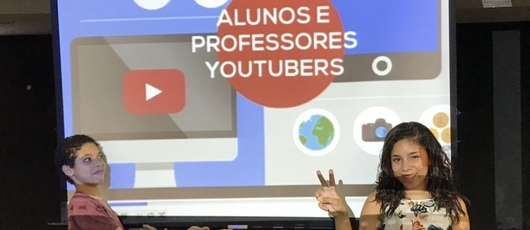 Alunos montam curso para ensinar professores a fazer vídeos para o Youtube