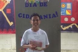 Estudante da rede municipal é premiado em concurso nacional de redação