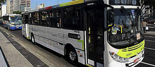 Sancionada lei que obriga cobrador nos ônibus
