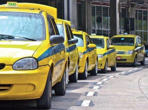 Quarta marca início de novas tarifas de táxis convencionais e executivos