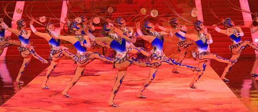 Primavera Chinesa - Dança e Acrobacias