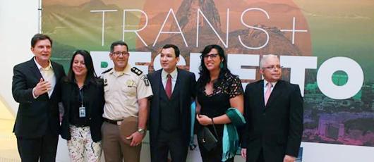 Lei que garante o uso de nome social por transexuais é sancionada no Rio