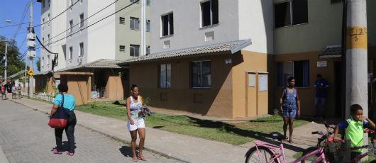 Prefeito entrega escrituras de imóveis a 480 famílias de Santa Cruz