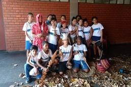 Crianças de escolas municipais participam de vivência com indígenas no Dia do Índio