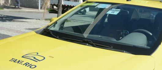 Recadastramento dos auxiliares de táxi é obrigatório e vai até o dia 31 de julho