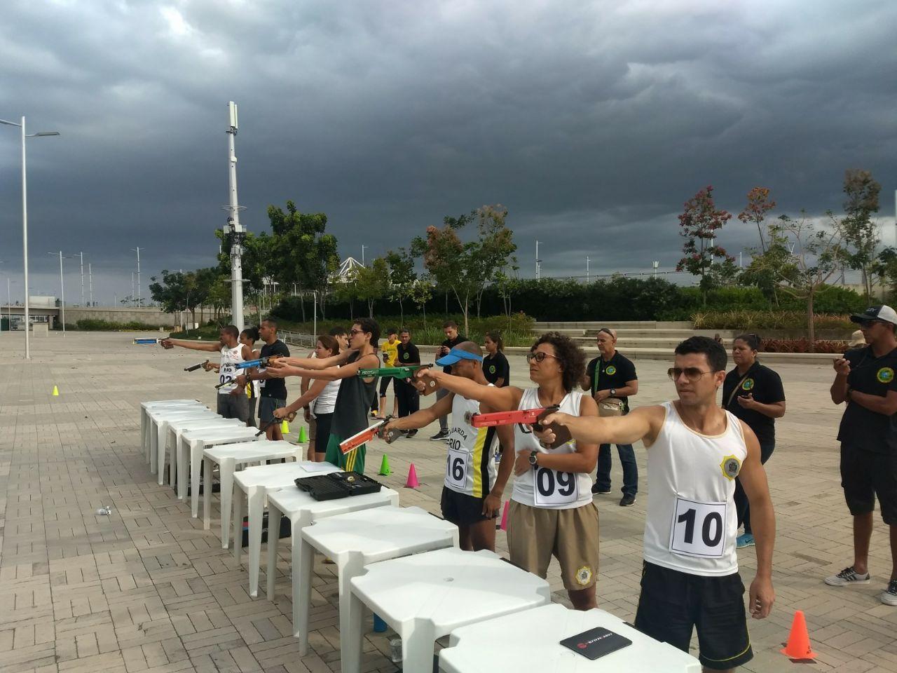 Guardas participam de competições de tetratlo e laser-run no Parque Olímpico