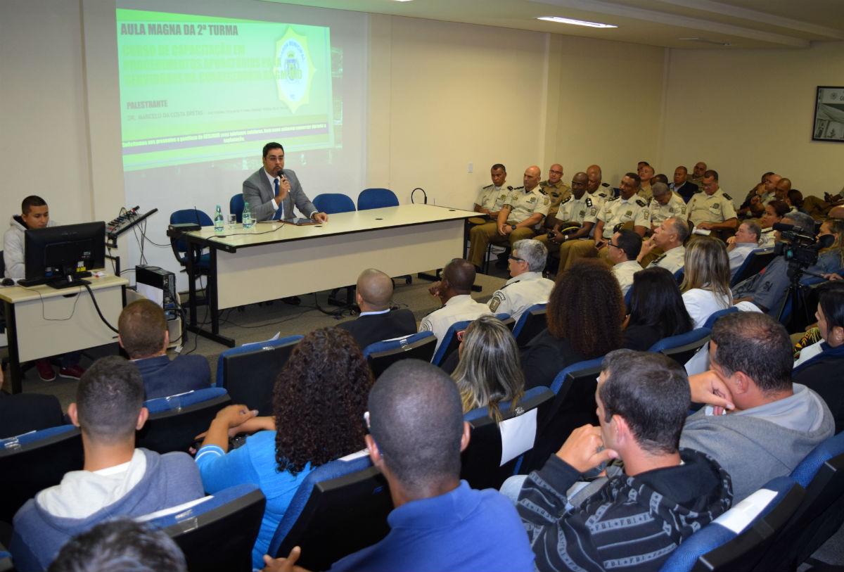 Juiz da Lava Jato no Rio, Marcelo Bretas dá aula magna no curso da Corregedoria da Guarda Municipal