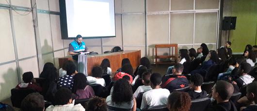 Jovens da rede municipal participam de projeto da Defesa Civil