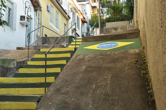 Veja as recomendações da Prefeitura para decoração de ruas e calçadas na Copa