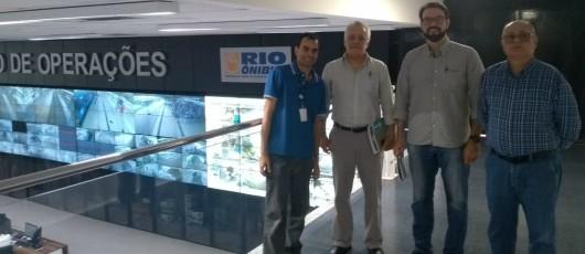 Técnicos da Secretaria de Mobilidade de Salvador visitam a SMTR e trocam experiências sobre o BRT