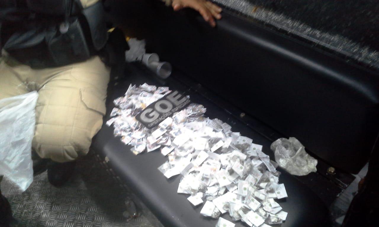 Guardas apreendem 477 trouxinhas de maconha e pedras de crack durante operação de desocupação