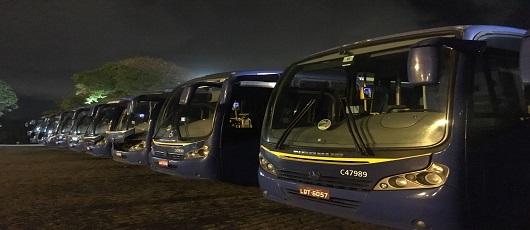Fiscais lacram 48 ônibus de empresa