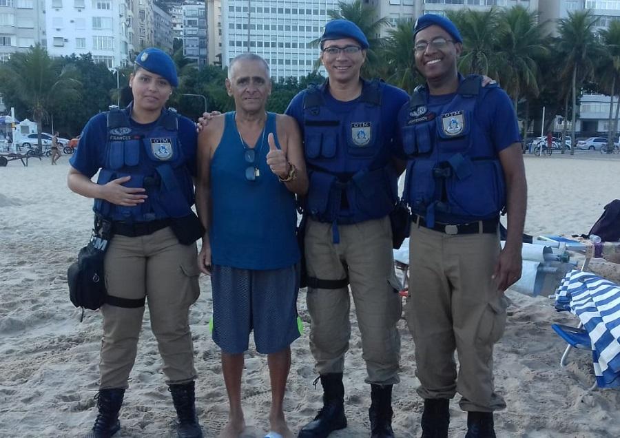 Guarda municipal ajuda a salvar vida de idoso com massagem cardíaca em Copacabana