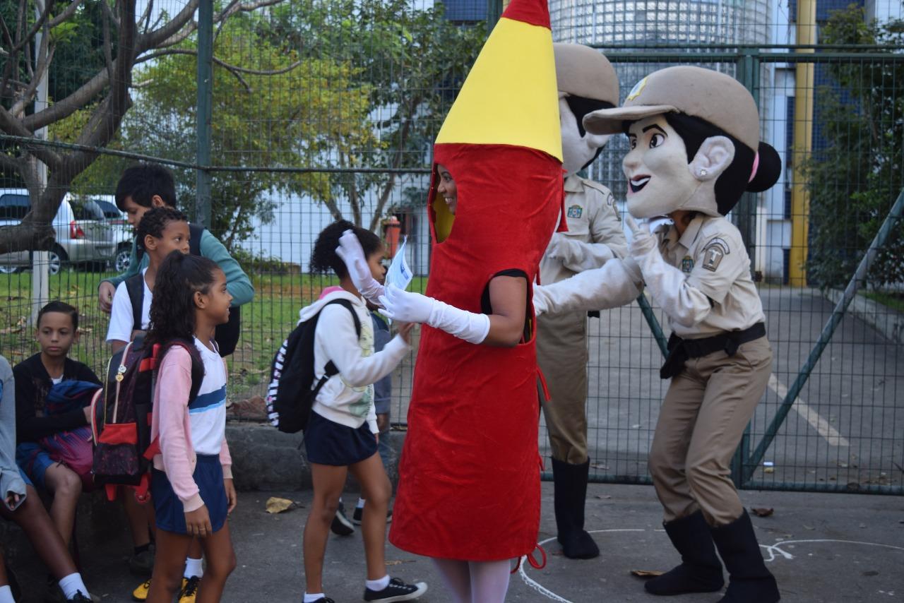 Guarda Municipal atua com 110 guardas no trânsito e no patrulhamento de escolas públicas da cidade