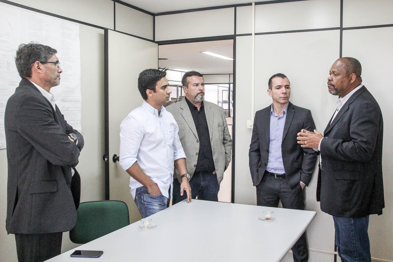 João Mendes elogia Bancos de Alimentos que atende a 36 mil pessoas