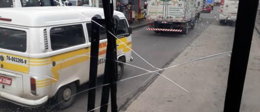 Após denúncia, fiscais da SMTR aplicam 9 multas e lacram ônibus da linha 885
