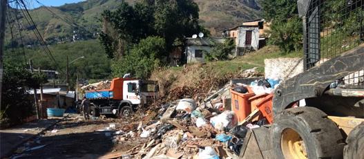 Comlurb Mais recolhe 29 toneladas de resíduos no Morro do Fubá
