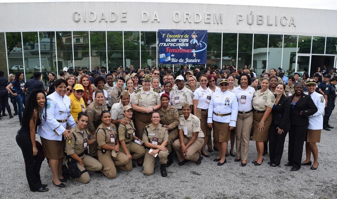 I Encontro de Guardas Municipais Femininas reúne 320 representantes de 46 cidades do Rio de Janeiro