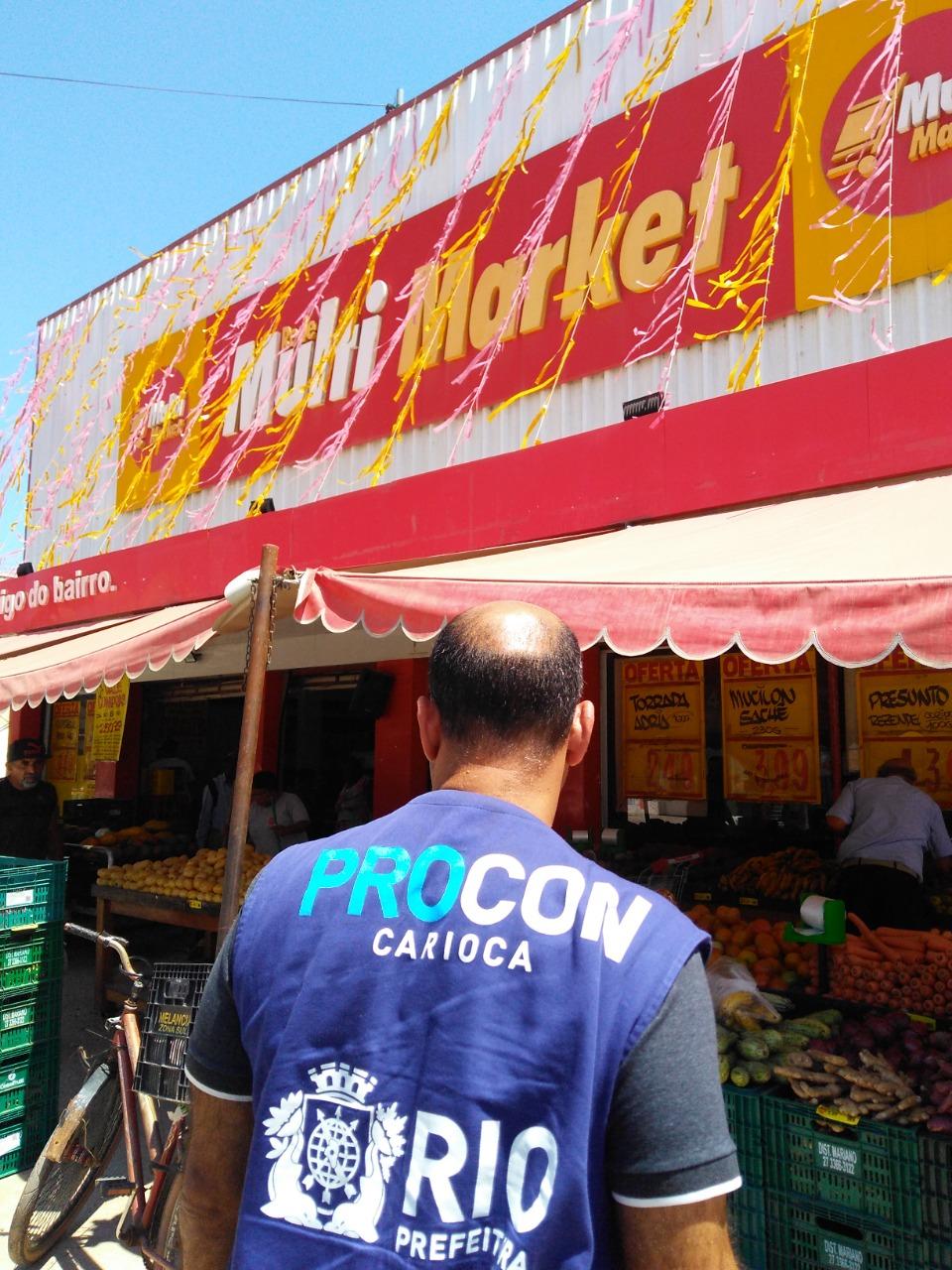 Procon Carioca descarta mais de cem quilos de alimentos
