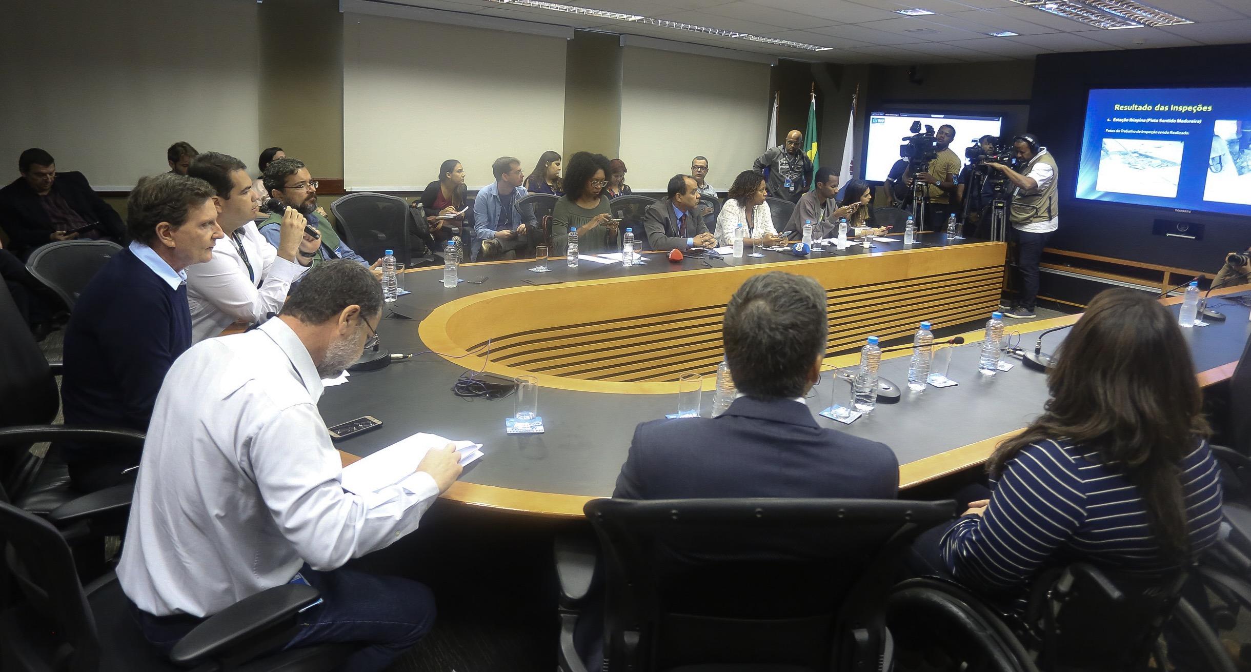Prefeitura investiga suspeita de irregularidades nas obras do BRT Transcarioca que podem ter causado