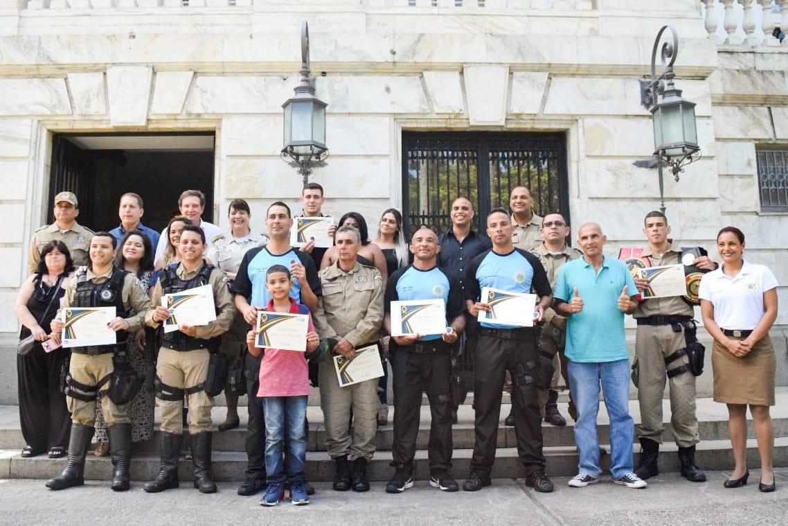 """Guardas municipais recebem da Prefeitura do Rio o reconhecimento """"Excelência Operacional"""""""
