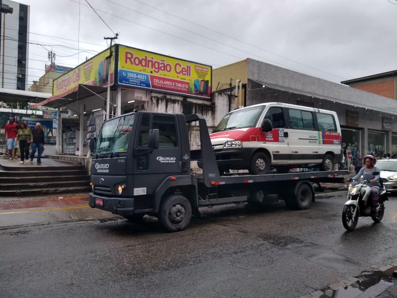 Força-tarefa da Prefeitura inicia mega ação de controle urbano no calçadão de Bangu