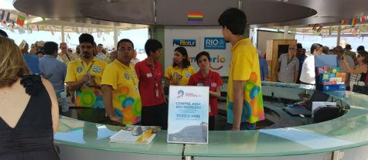 Riotur vende na praia ingresso antecipado para atrações turísticas