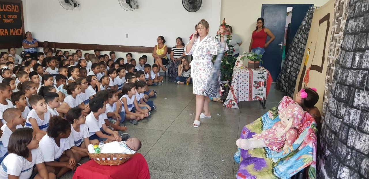 Ronda Escolar realiza programação especial de Natal em escolas municipais