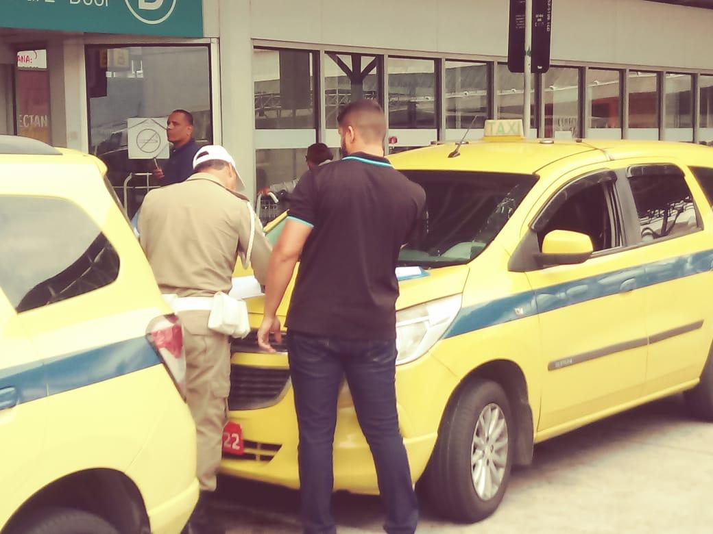 Guarda Municipal realiza operação de ordenamento do trânsito no entorno do Aeroporto do Galeão