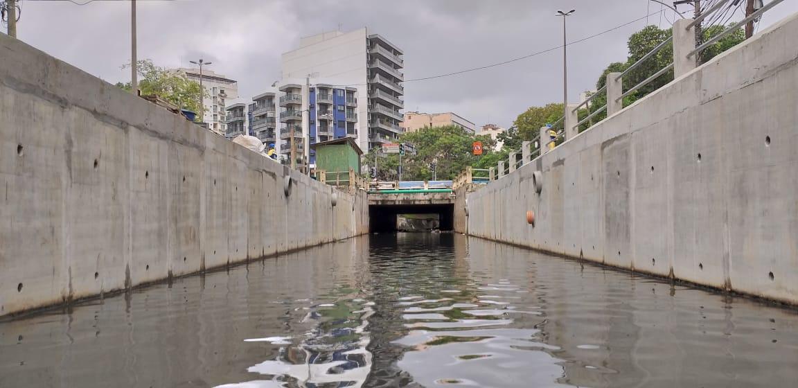 Rio-Águas conclui obra de recuperação de parte da calha do Rio Maracanã