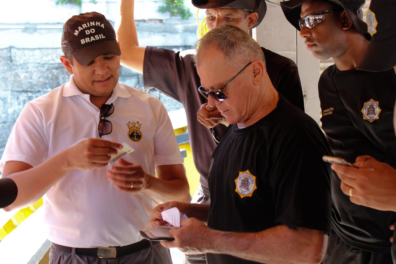 Guarda Municipal participa de vistoria deembarcações com Capitania dos Portos