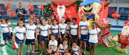 Arena Carioca 3 prepara festa de entrega de presentes com Papai Noel