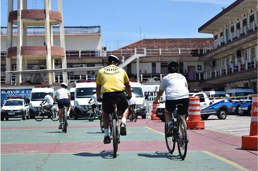 Guardas municipais iniciam curso de patrulhamento com bicicletas