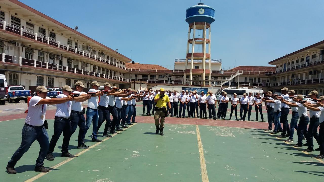 O dia a dia dos alunos do Curso de Formação de Guardas Municipais