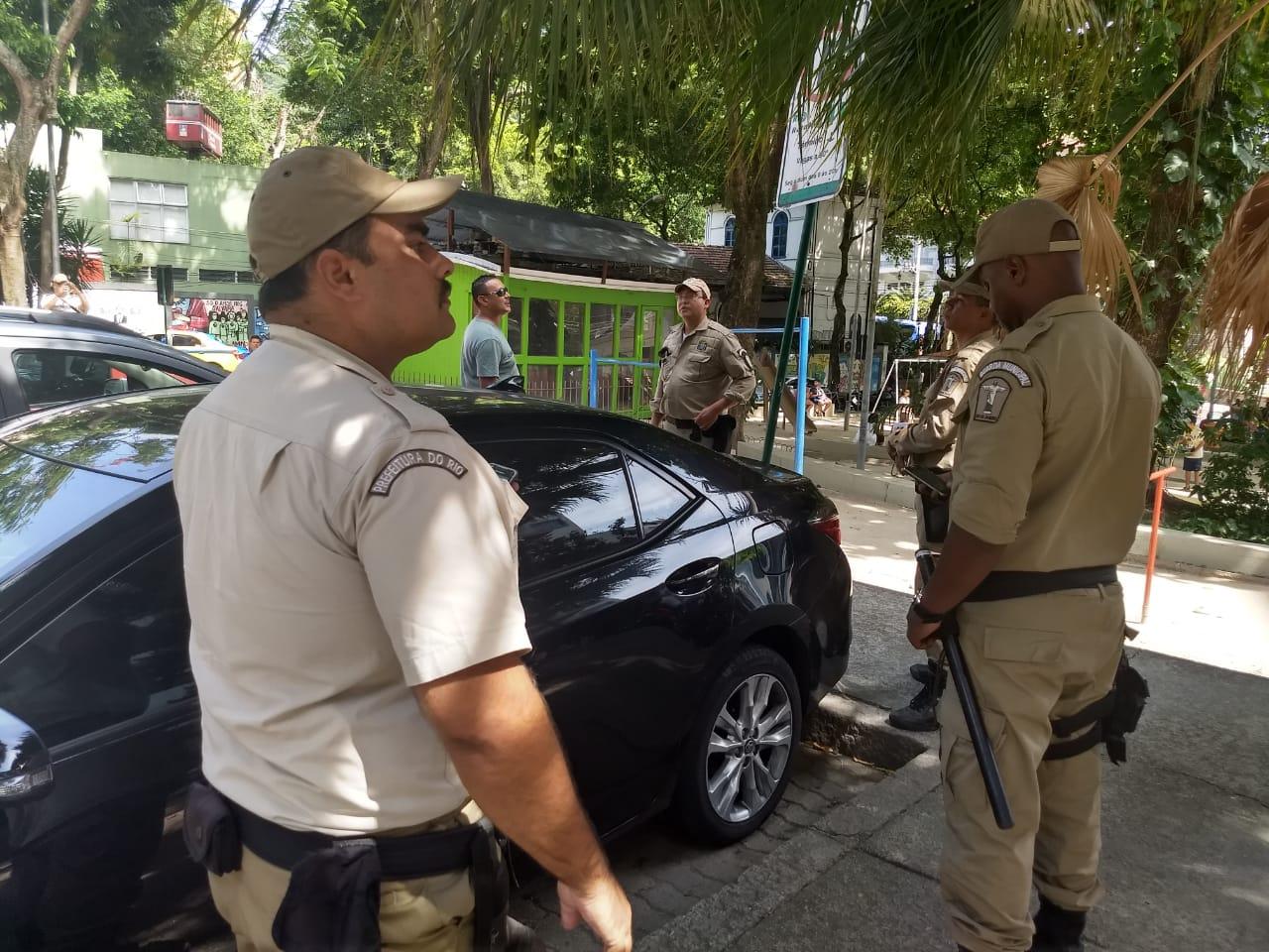 GM-Rio multa 27 veículos em operação integrada com a Polícia Militar e Detro em áreas turísticas