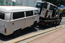 Fiscais da Prefeitura removem e lacram 30 vans por irregularidades