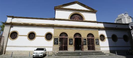 Variedade de estilos arquitetônicos cria museu a céu aberto