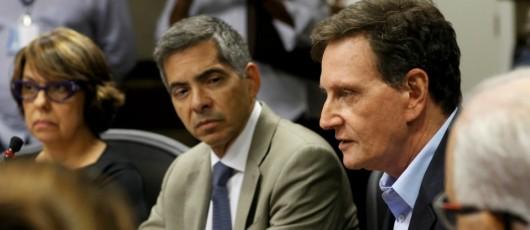 Crivella anuncia reajuste da passagem de ônibus e intervenção no BRT