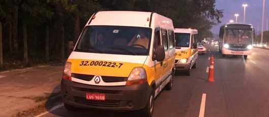 Volta às aulas: equipe da SMTR lacra 4 veículos de transporte escolar e aplica 16 multas na Barra