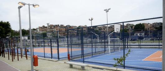 Prefeito inaugura complexo esportivo em comunidade na Ilha do Governador