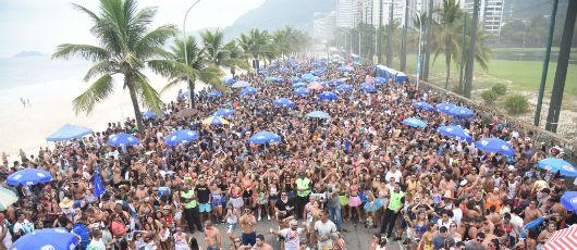 Pré-carnaval reúne 90 mil foliões no primeiro fim de semana