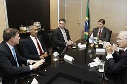 Crivella reúne senadores do Rio para buscar investimentos no Ministério do Desenvolvimento Regional